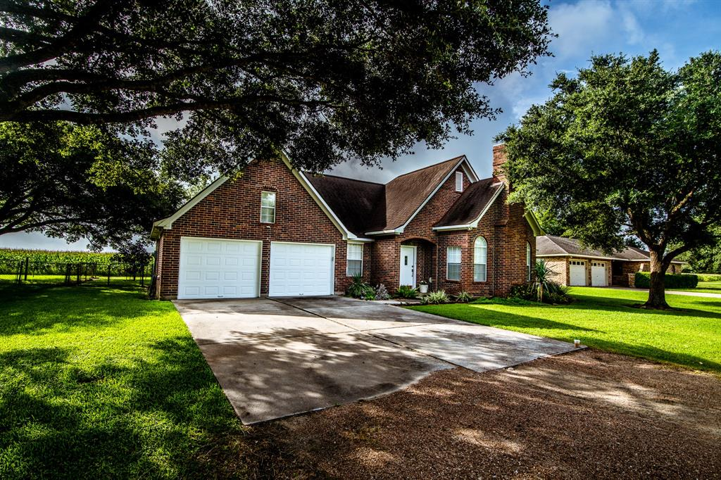 514 Lakeview Drive, Wallis, TX 77485