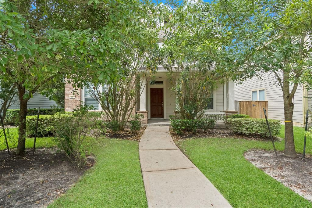 This adorable David Weekley 2-story in The Woodlands boasts front porch charm and bright interiors. Walking distance to coveted Deretchin Elementary and Montfair Park and just minutes to all the amenities and conveniences offered throughout The Woodlands. Downstairs you will find a study with french doors, formal dining, powder room, and an open concept family room and island kitchen. The kitchen features granite countertops and stainless steel appliances. Upstairs there is a game room, utility room, and all three bedrooms. Available with Washer/Dryer, Refrigerator, and Lawn service!