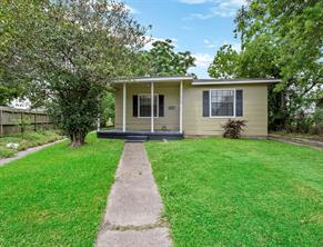 903 13th street n, texas city, TX 77590