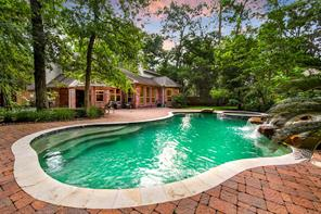 8 Garland Grove Place, The Woodlands, TX 77381