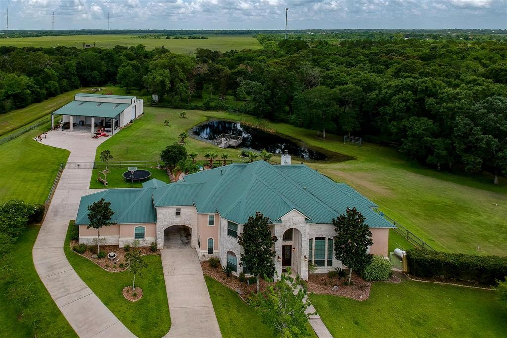 7218 S Oak Avenue, Dickinson, TX 77539