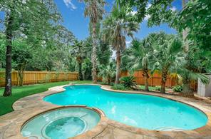 31 Sagamore Bend Place, The Woodlands, TX 77382