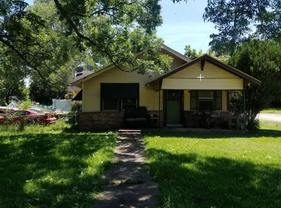 499 Avenue C, Caldwell, TX 77879