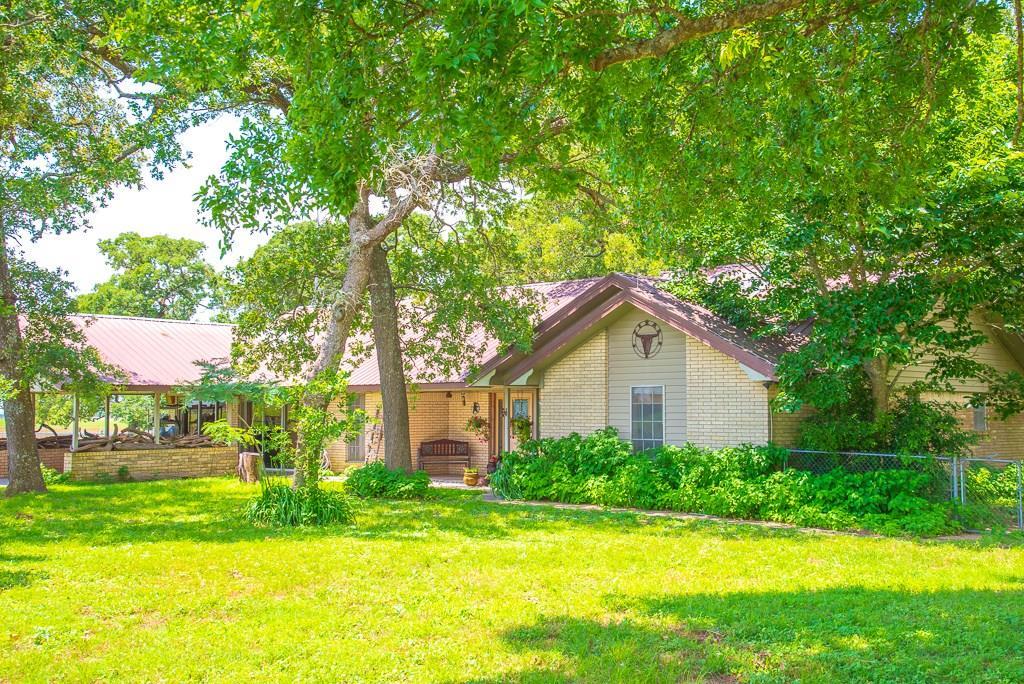 1759 County Road 402, Dime Box, TX 77853