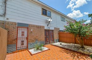 7047 CHASEWOOD Drive #1