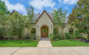 15569 Crown Oaks Drive, Montgomery, TX 77316