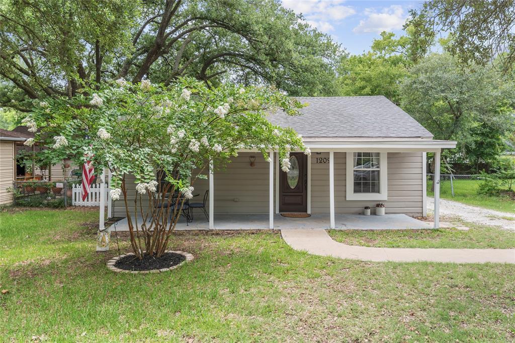 1209 E 30th Street, Bryan, TX 77802