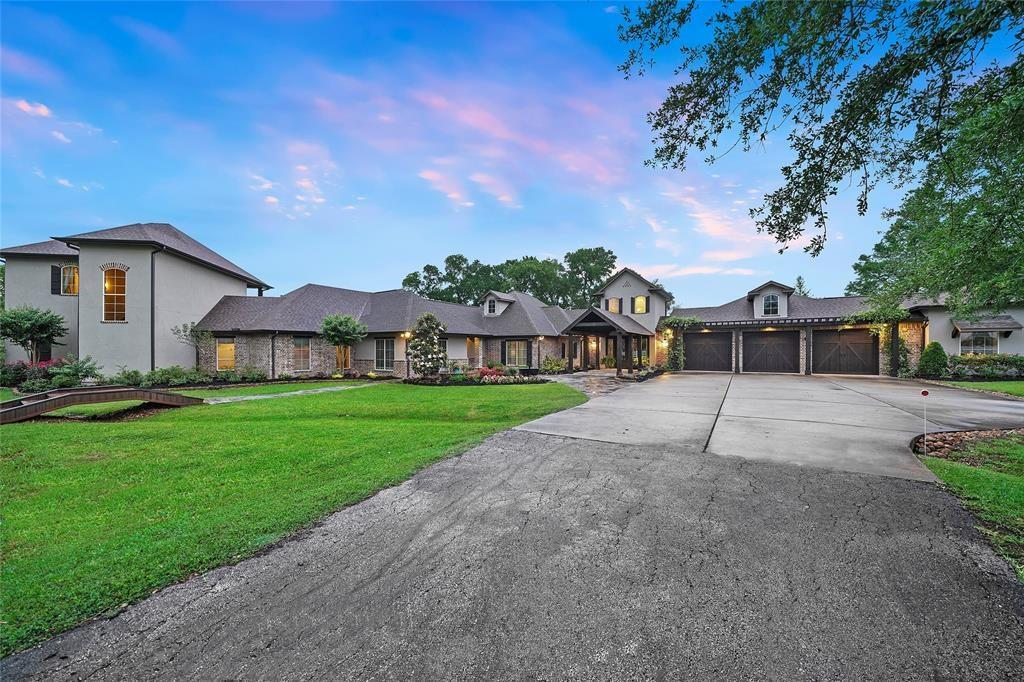 Homes for Sale in Montgomery TX with Guest House | Mason Luxury Homes