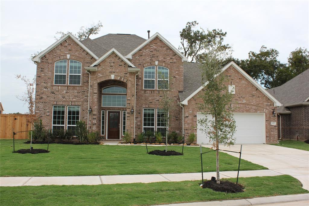 401 Bentwood Way, Clute, TX 77531