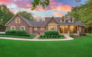 15500 Crown Oaks Drive, Montgomery, TX 77316