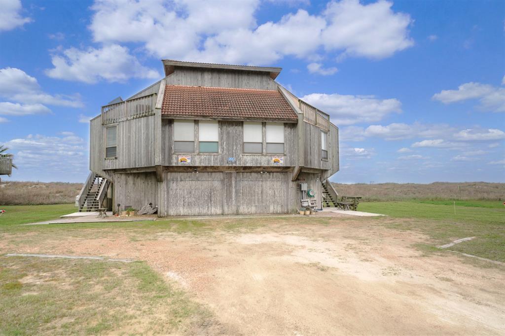 305 Private Road 640 49, Matagorda, TX 77457