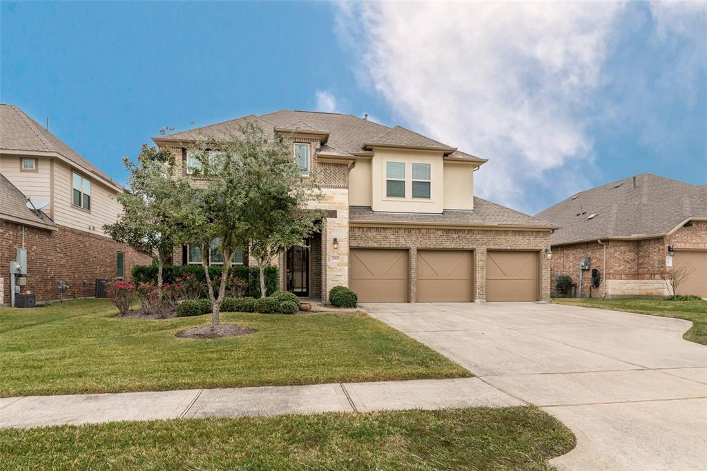 Hidden Lakes subdivision. Highly rated CCISD school district. Open concept main living with beautiful kitchen, breakfast and living room. Formal dining room as you enter the house. The downstairs living space has nice engineered wood flooring. Kitchen with granite, tile and SS appliances. Bonus room and secondary bedrooms located on second floor. Covered back patio for enjoying the outdoors. Three car garage with extended driveway has room for plenty of parking. Neighborhood amenities include pool, splash pad, playground and clubhouse. Set up your showing today!
