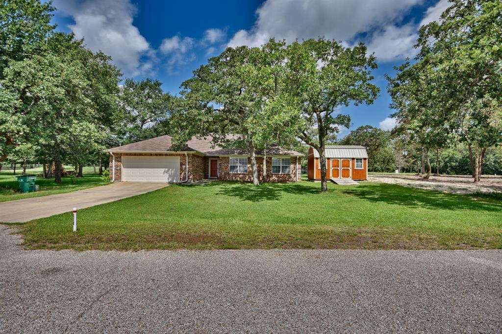 113 Fairway Circle, Hilltop Lakes, TX 77871