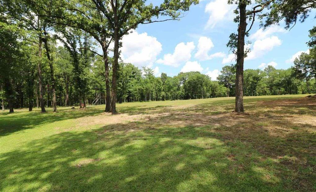 605 ACR County Road 425, Palestine, TX 75803