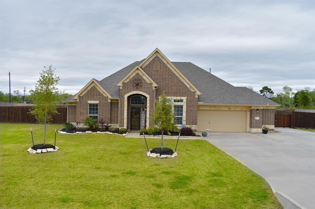 4611 Clearwater Drive, Baytown, TX 77523