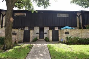 2009B Stoney Brook, Houston, TX 77063