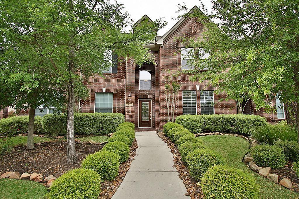 Pristine Village Townhome.  Granite counter tops, breakfast bar, 3 BR's up, study/loft, Energy Star Home, LOCATION, quiet, no/little maintenance,  HOA takes care of yard, stud to stud...epoxy covered garage floor....sweet...Ready for a move in after August 1.  THIS UNIT IS BETTER THAN THE REST.