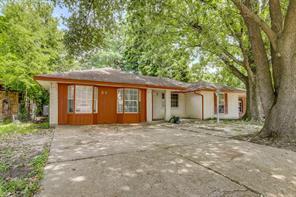 1126 Progreso Dr, Houston TX 77038