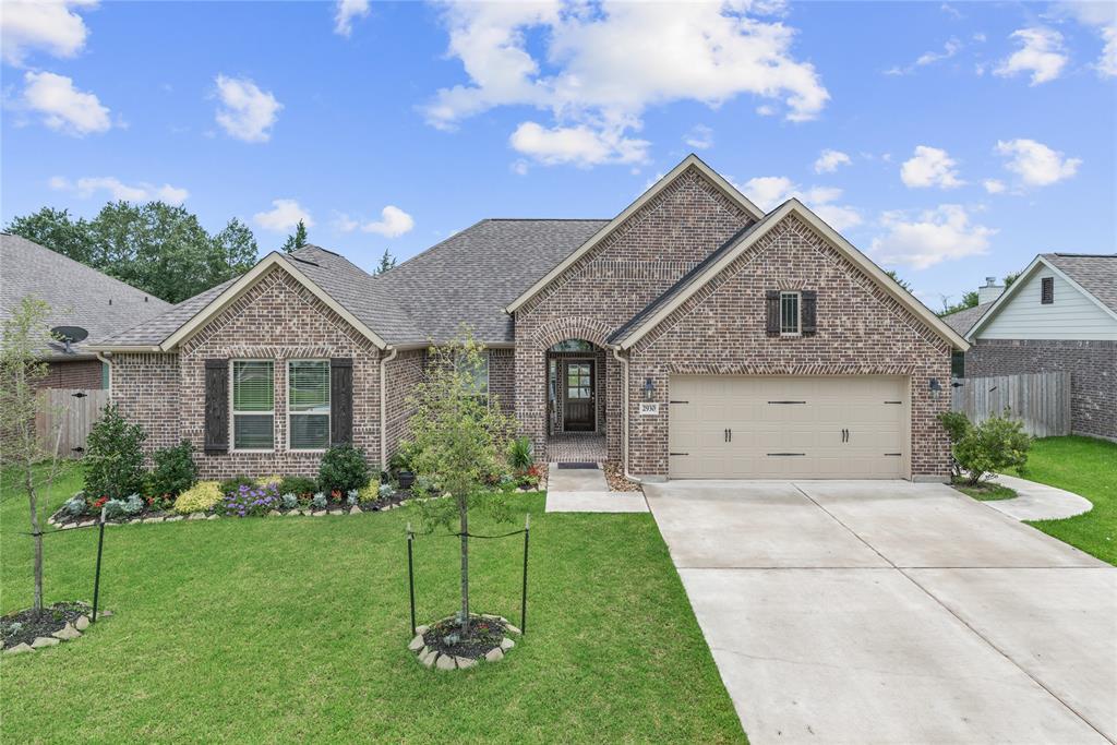 2930 Archer Drive, Bryan, TX 77808