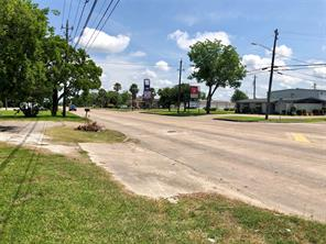 4401 n main street, baytown, TX 77521