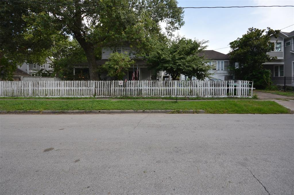 804 Merrill Street, Houston, TX 77009