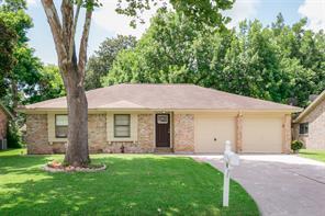 705 Meadowglen, Baytown TX 77521