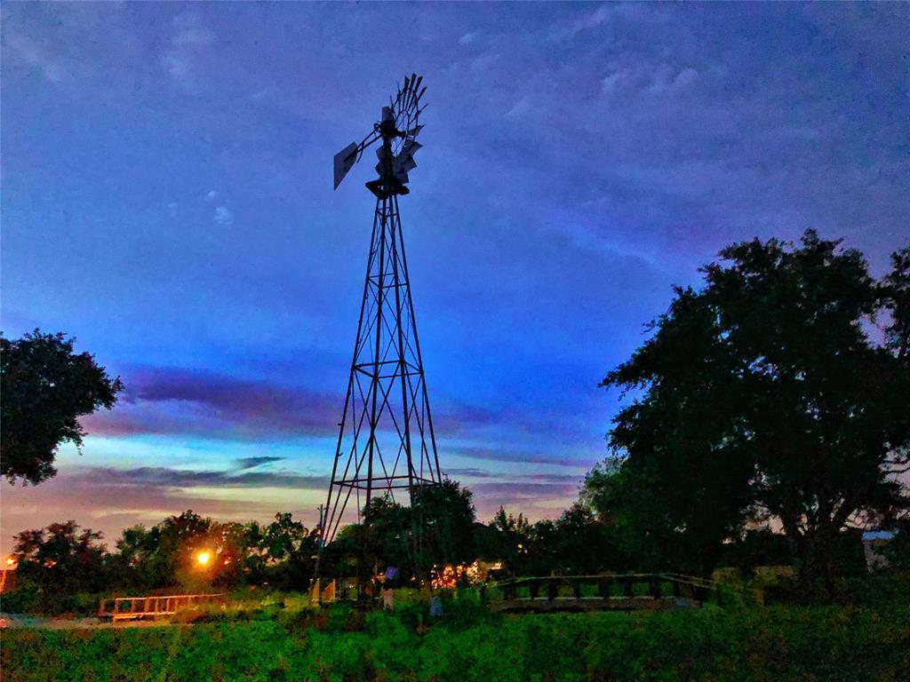 3989 Dixie Farm Road, Pearland, TX 77581