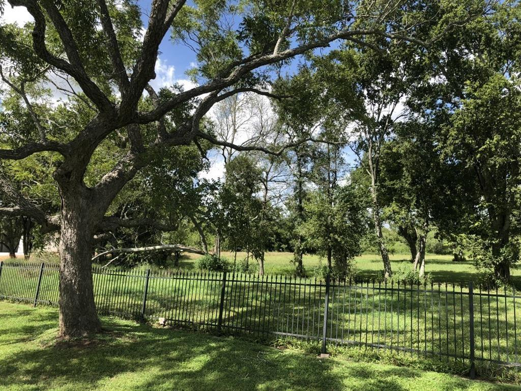 1 Sovereign Circle, Richmond, TX 77469
