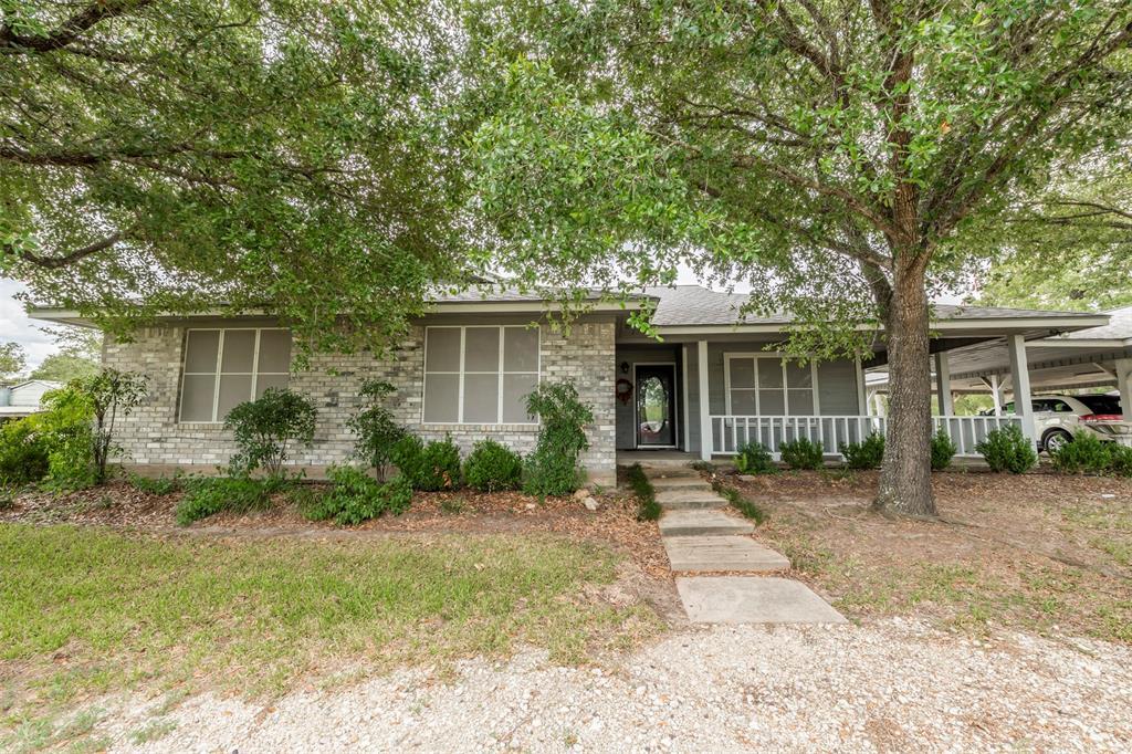 302 Houston Avenue, Somerville, TX 77879