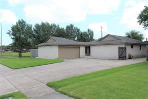 9746 Oakmont Drive, La Porte, TX 77571