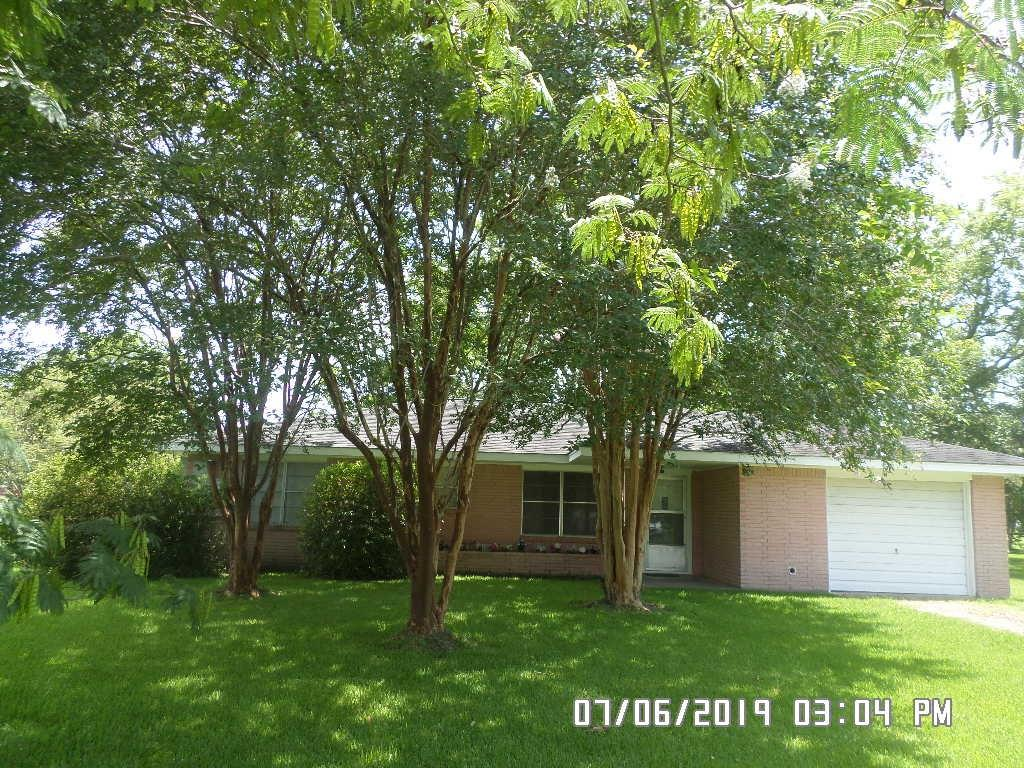 3508 Barbers Hill Road, Highlands, TX 77562