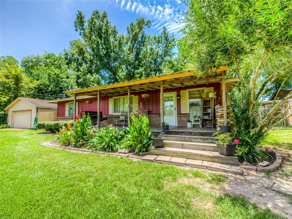 632 River Road, Goodrich, TX 77335