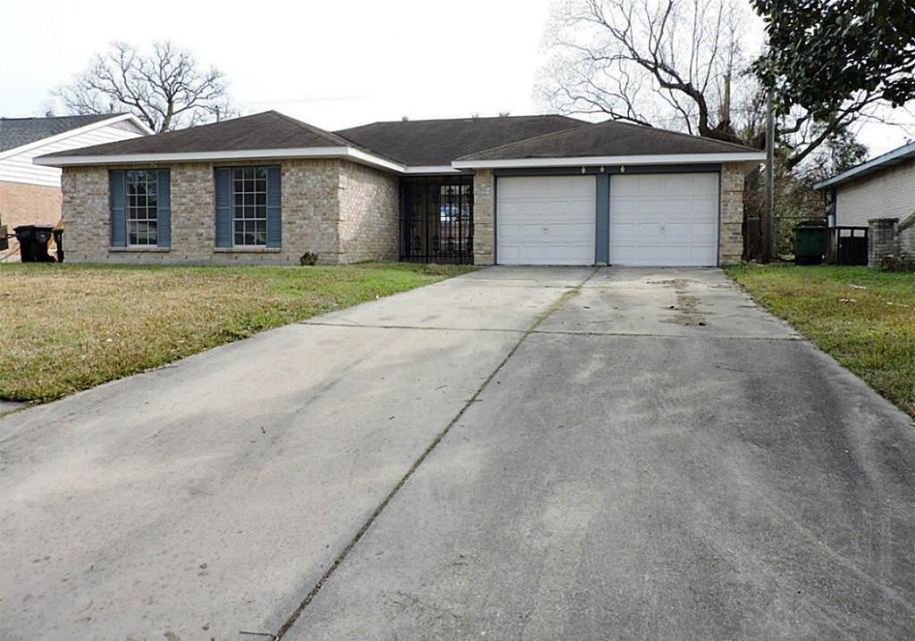 6502 Grey Oaks Drive, Houston, TX 77050