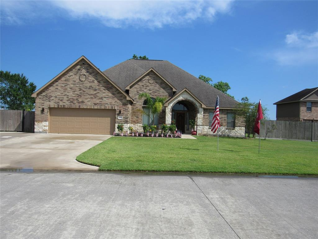 11302 Kings Point Boulevard, Mont Belvieu, TX 77535