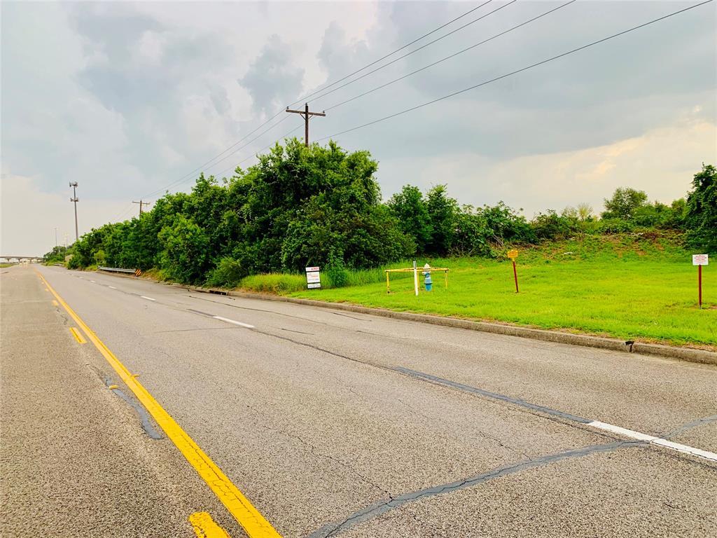 2700 Highway 3, La Marque, TX 77568