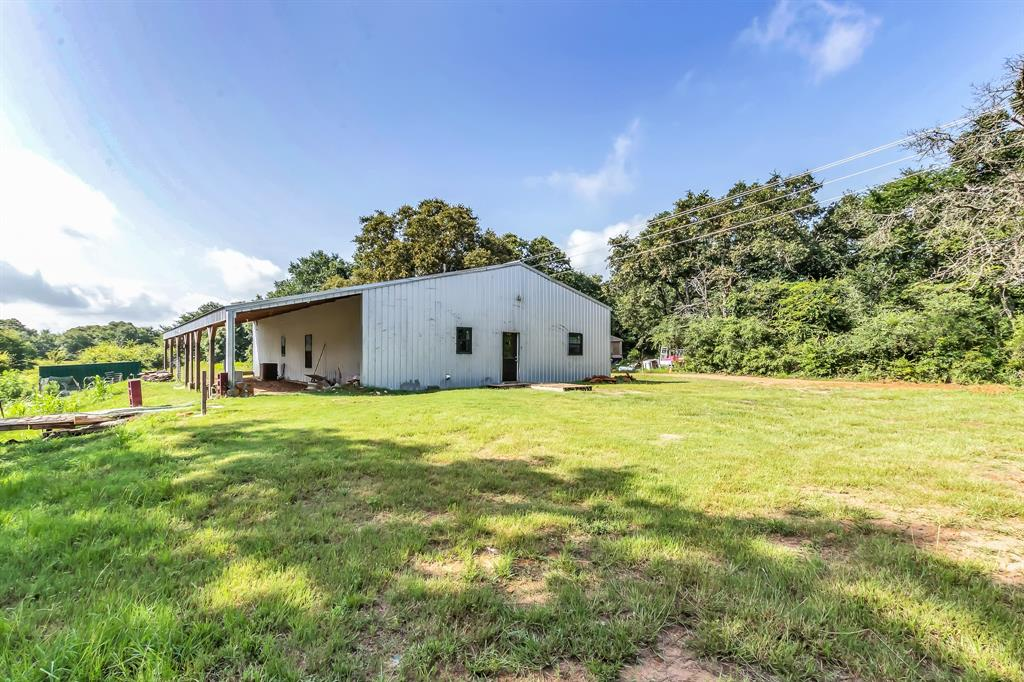 969 Private Road 7054, Gause, TX 77857