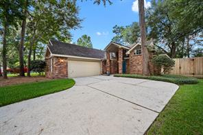 5615 Manor Forest