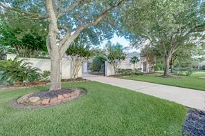 5675 grand floral blvd nw, houston, TX 77041