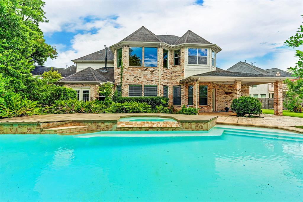 3923 Lakeridge Canyon Drive, Sugar Land, TX 77498