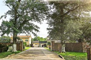 1230 green oak drive, houston, TX 77032