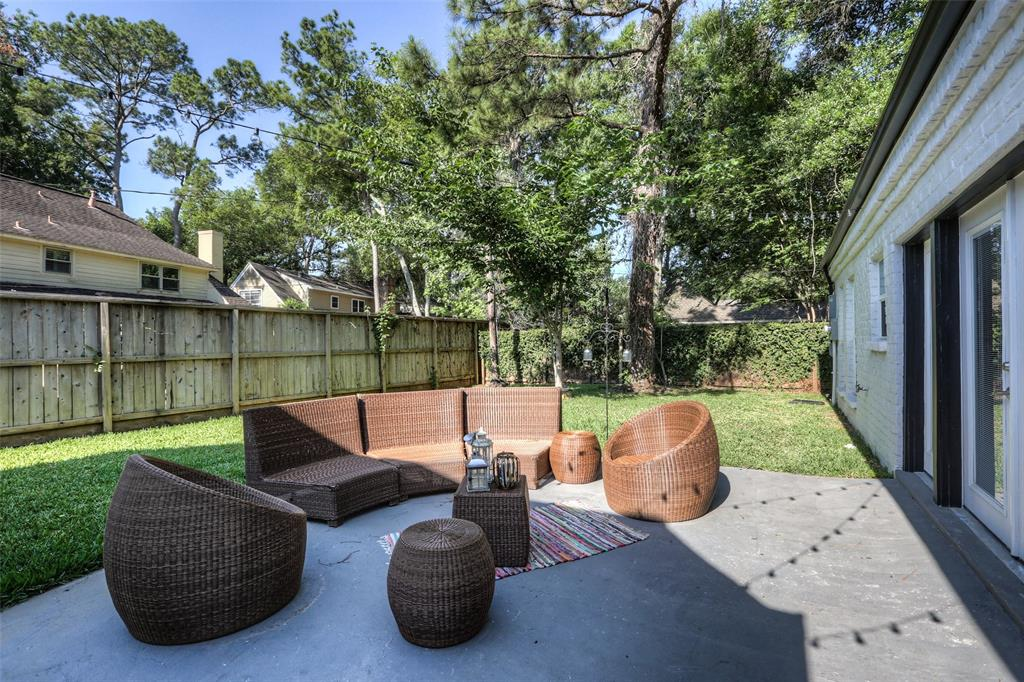 Plenty of greenspace; perfect for a swingset, pool or outdoor kitchen.