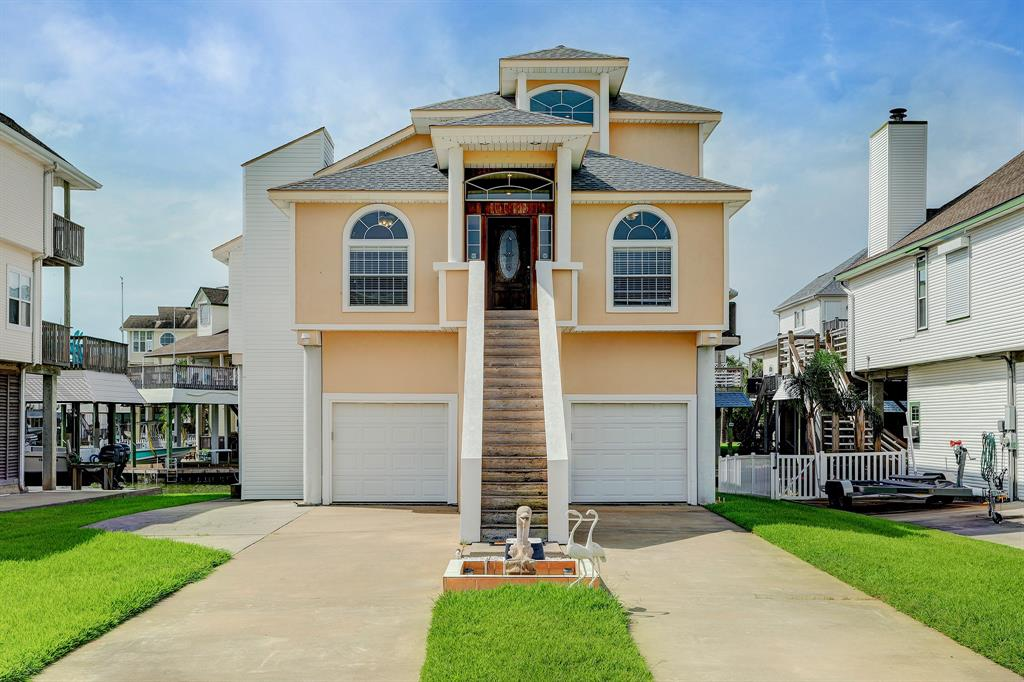 Come visit this wonderful canal home on Tiki Drive. Perfect location for being in the center of all the parades, golf cart ralleys, etc. Elevator needs servicing BUT its there and ready for you! Great Floorplan