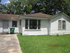 6525 Sealey, Houston TX 77091