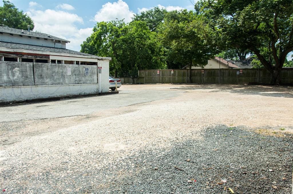 1132 E 11th Street, Houston, TX 77009