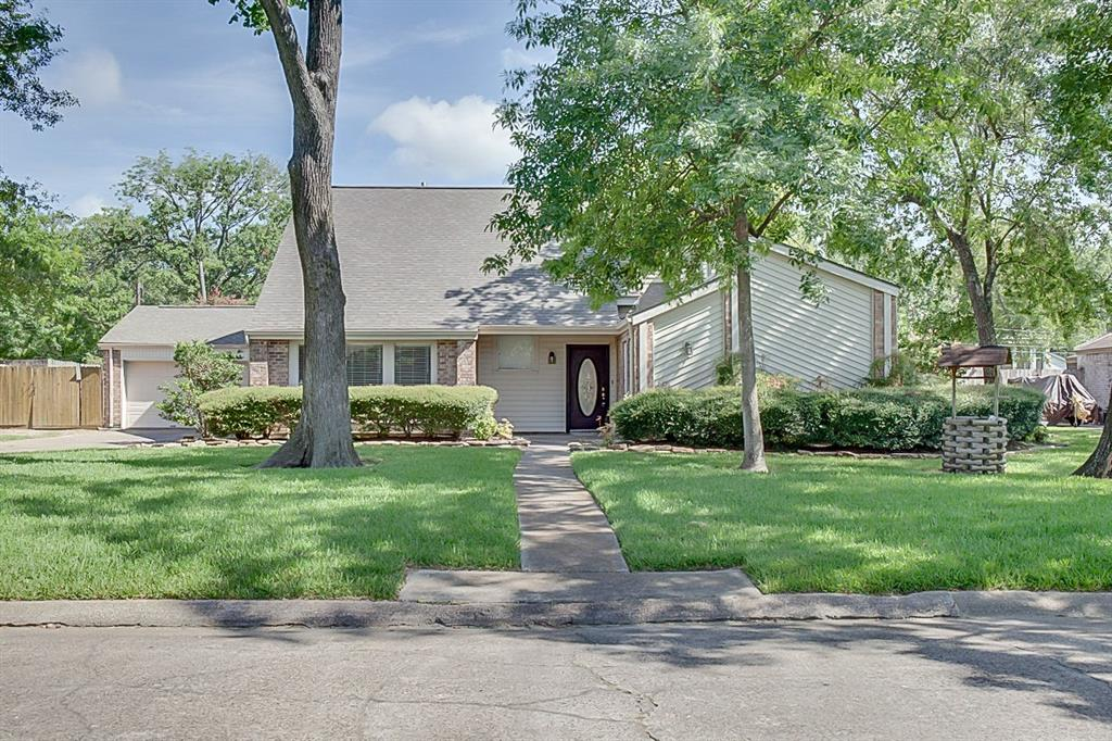 502 Post Oak Drive, Baytown, TX 77520