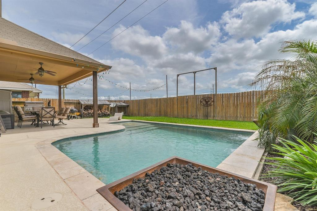 4305 Dave Alvin Drive, Deer Park, TX 77536