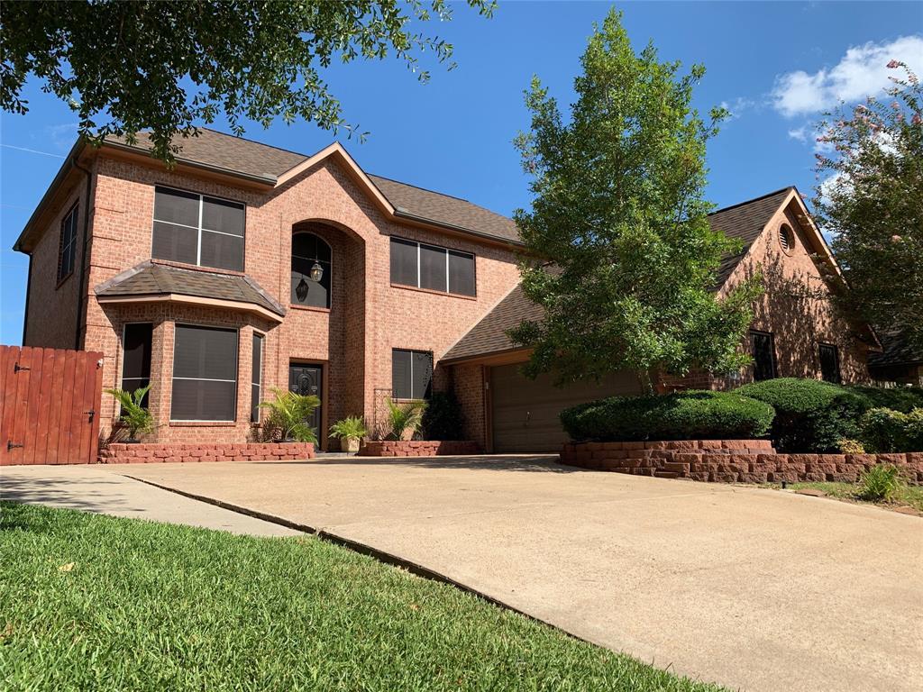 411 Richmond Place Drive, Richmond, TX 77469