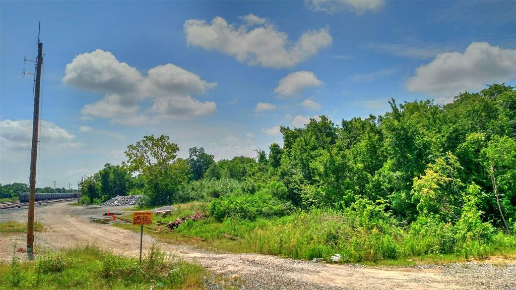 2.552 Acre lot ready to build a nice home, apartment complex or business.  Commercial Potential, No Restrictions.