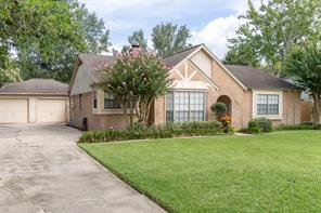 1003 tipperary avenue, friendswood, TX 77546