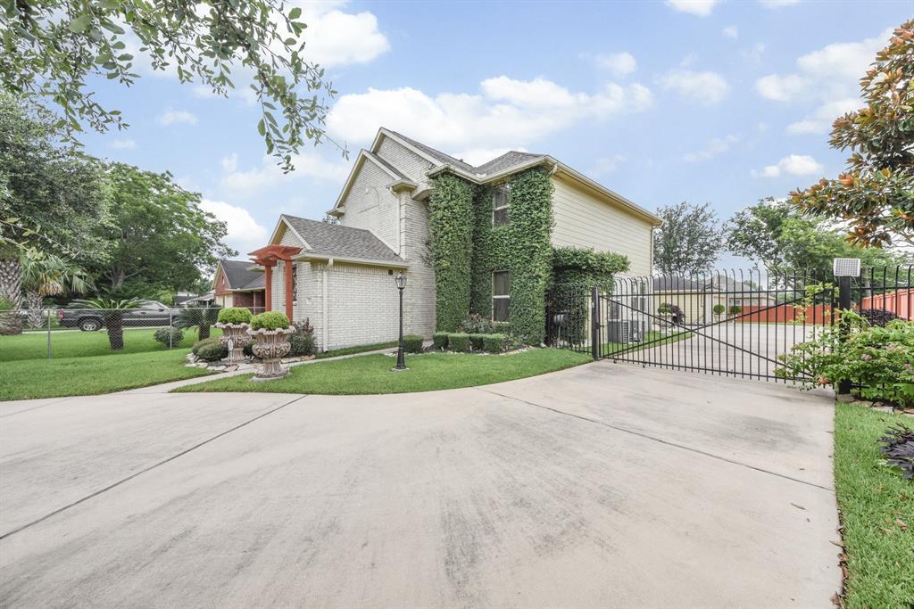 8435 Swiftwater Lane, Houston, TX 77075